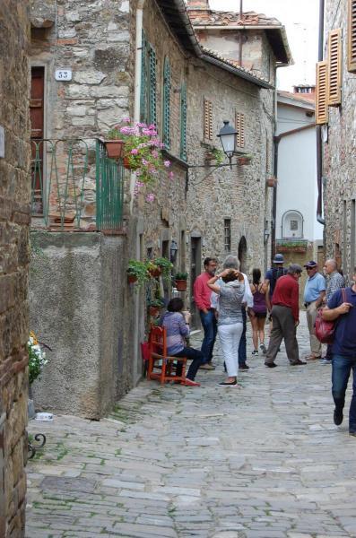 021 Argiano tour Montefioralle